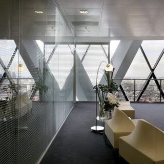 Glass partition with blinds